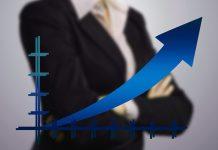 Česká ekonomika bude v roce 2018 pokračovat v růstu - prognóza Komerční banky