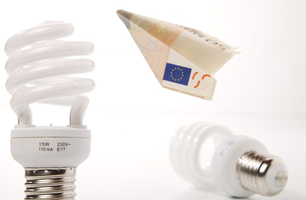 Spotřeba versus úspora energie a elektřiny v domácnosti