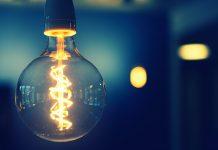 Jak se bránit před šmejdy v energetice a podomními prodejci eletřiny a plynu?